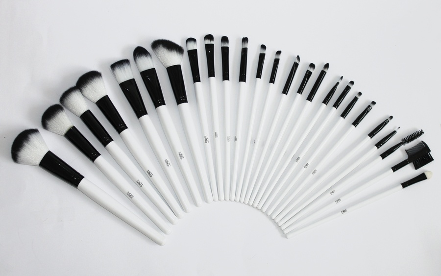 Hot Make Up Brush Collection