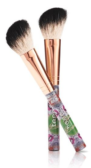 Teeez Trend Cosmetics La Isla Chique Collection Blusher Brush